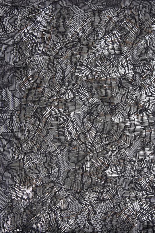 microcosme-dentelle-ensemencée-broderie-design-textile