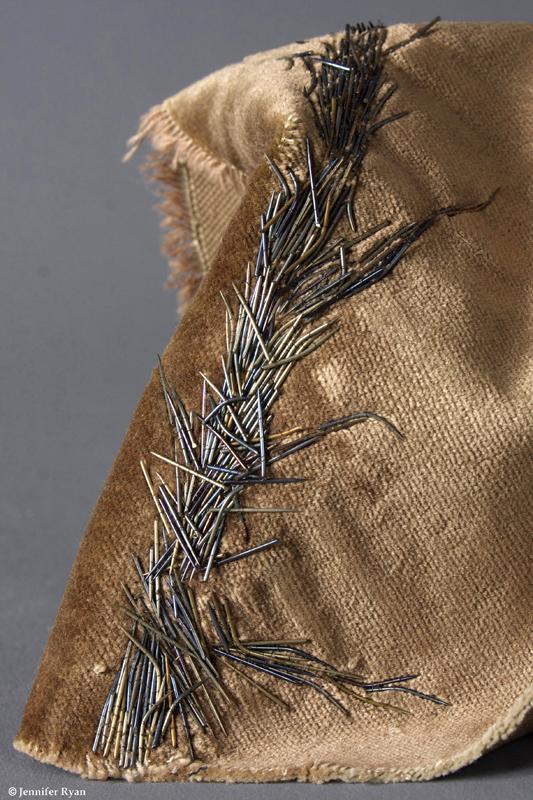microcosme-tige-piquante-broderie-design-textile