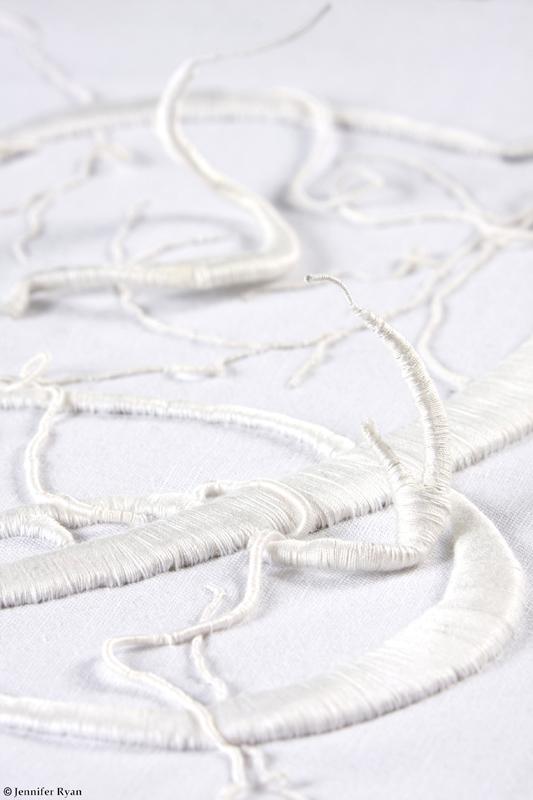 microcosme-monogramme-broderie-design-textile